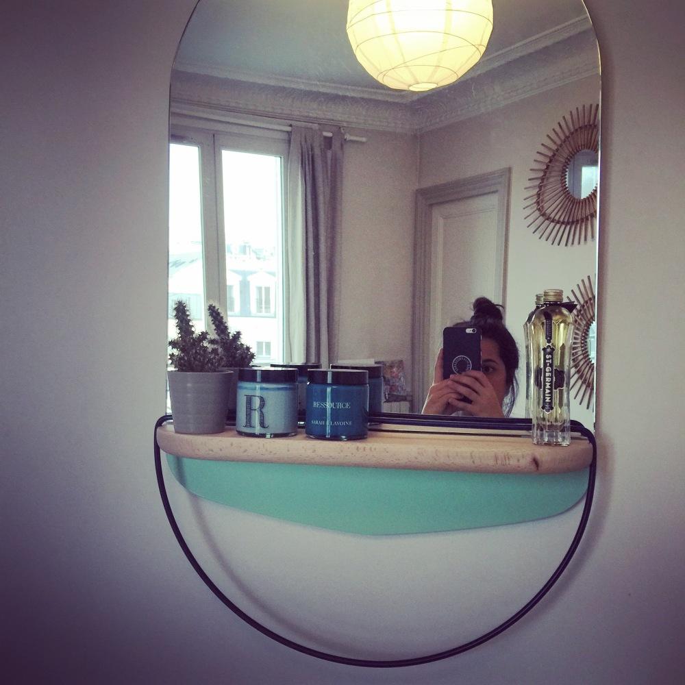Miroir modestie hârto design