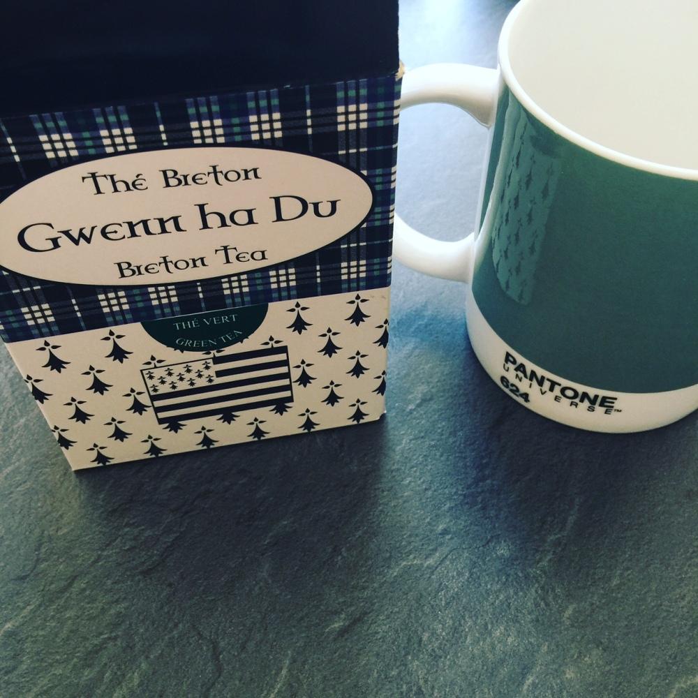 thé vert breton tasse pantone