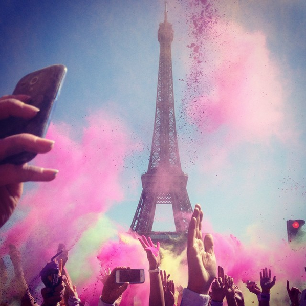 color_run_tour_eiffel