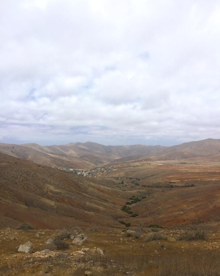 betancuria-mirador-montagnes-fuerteventura-ile-canaries